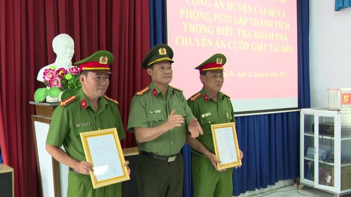 CLIP: Thưởng nóng chuyên án phá băng cướp liên tỉnh Tiền Giang – Vĩnh Long - Ảnh 2.