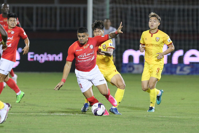 Lee Nguyễn tái xuất, TP HCM thắng trận đầu tiên tại V-League 2021 - Ảnh 4.