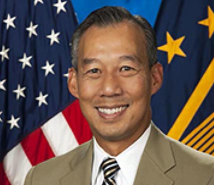 Ông Biden chọn một người gốc Việt làm quyền bộ trưởng - Ảnh 1.