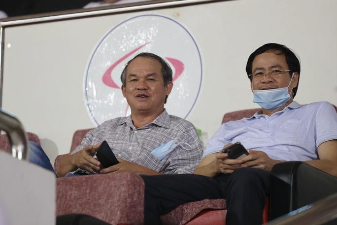 Lee Nguyễn tái xuất, TP HCM thắng trận đầu tiên tại V-League 2021 - Ảnh 3.