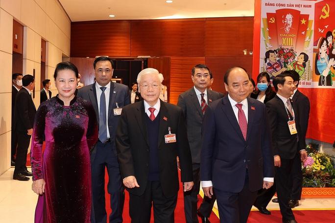 Chùm ảnh: Tổng Bí thư, Chủ tịch nước và các đại biểu dự phiên trù bị Đại hội XIII - Ảnh 2.