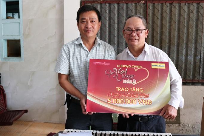 Mai Vàng nhân ái thăm nghệ nhân Ngô Minh Phú và NS Phương Anh - Ảnh 1.