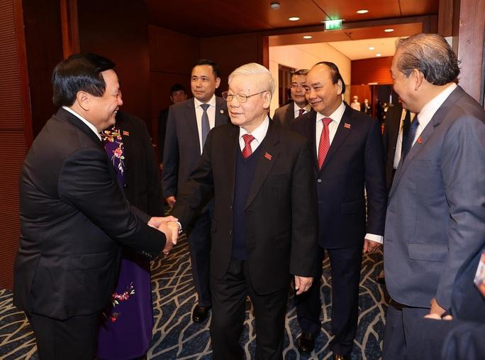 Chùm ảnh: Tổng Bí thư, Chủ tịch nước và các đại biểu dự phiên trù bị Đại hội XIII - Ảnh 3.