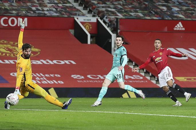 Rượt đuổi kịch tính tại Old Trafford, Man United quật ngã Liverpool ở FA  Cup - Ảnh 4.