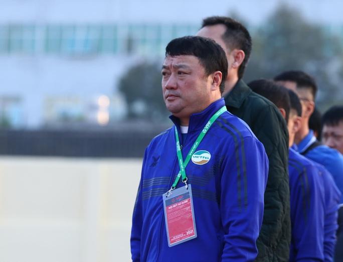 Sau trận hòa, HLV Trương Việt Hoàng kêu ca chất lượng sân ở Thanh Hóa - Ảnh 1.