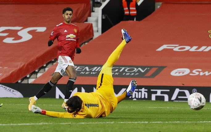 Rượt đuổi kịch tính tại Old Trafford, Man United quật ngã Liverpool ở FA  Cup - Ảnh 5.