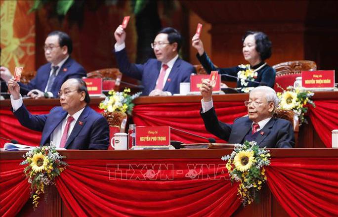 Bầu Đoàn Chủ tịch Đại hội XIII gồm 17 thành viên - Ảnh 2.
