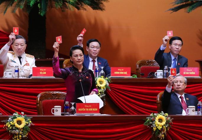 Bầu Đoàn Chủ tịch Đại hội XIII gồm 17 thành viên - Ảnh 10.