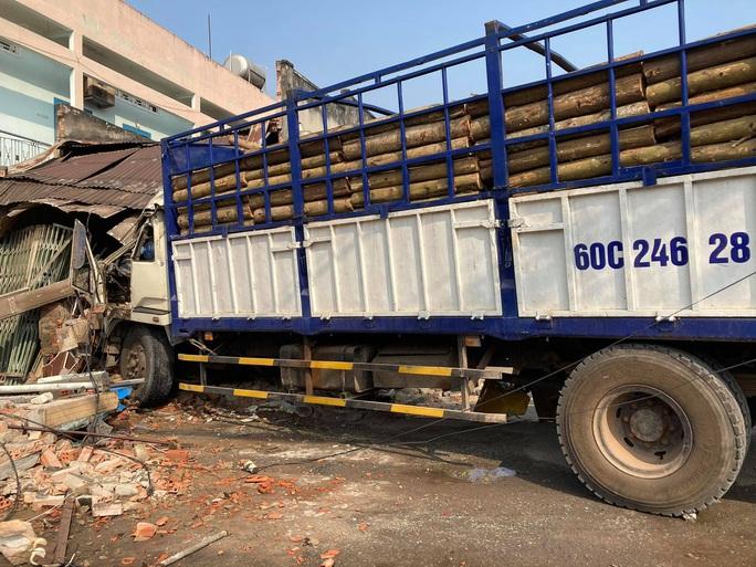 Tài xế gây ra vụ tai nạn kinh hoàng ở Biên Hòa, người và xe nằm la liệt khai gì? - Ảnh 2.