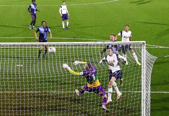 Siêu sao bùng nổ, Tottenham ngược dòng hạ đẹp Wycombe - Ảnh 4.