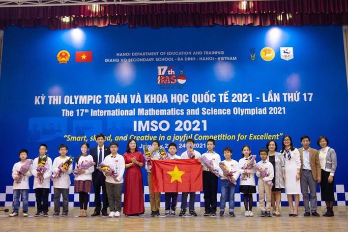 Học sinh Việt Nam giành 20 huy chương tại kỳ thi Olympic Toán học và Khoa học quốc tế - Ảnh 1.