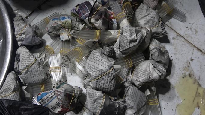 CLIP: Phá ổ ma túy khủng ở Tiền Giang do 1 phụ nữ 61 tuổi cầm đầu - Ảnh 11.