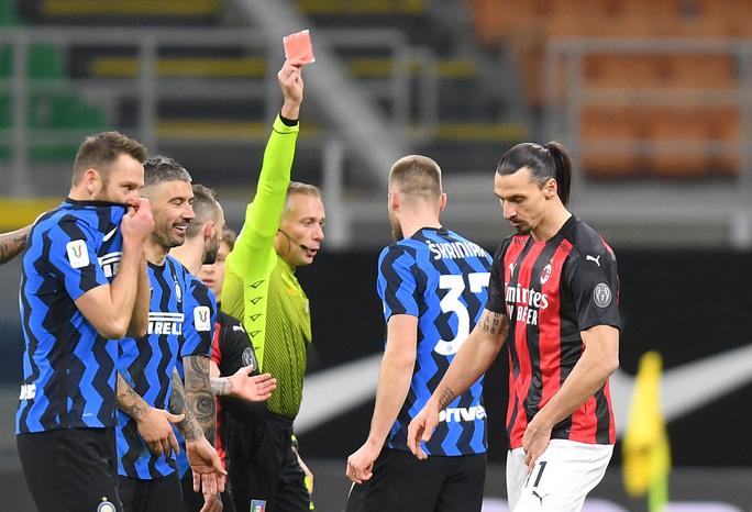 Người hùng Ibrahimovic hóa tội đồ, AC Milan bị loại ở Cúp quốc gia Ý - Ảnh 5.