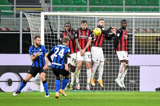 Người hùng Ibrahimovic hóa tội đồ, AC Milan bị loại ở Cúp quốc gia Ý - Ảnh 6.