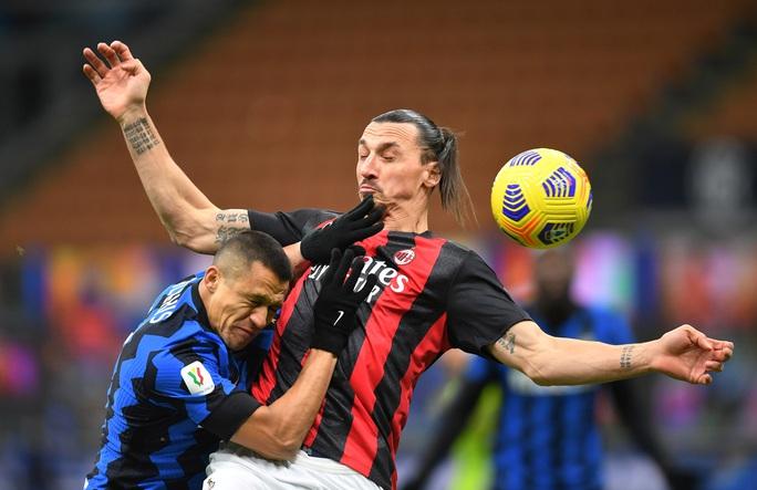 Người hùng Ibrahimovic hóa tội đồ, AC Milan bị loại ở Cúp quốc gia Ý - Ảnh 4.