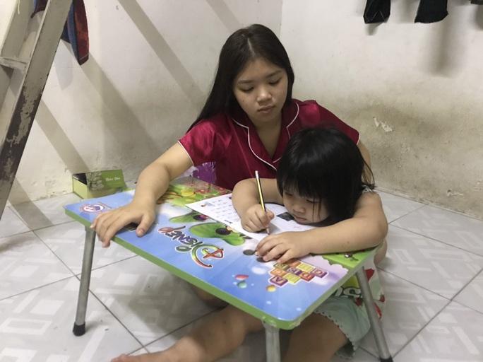 Khó khăn không gục ngã (*): Học tốt để ba mẹ vui - Ảnh 1.
