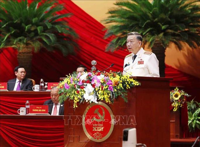 Thủ tướng Nguyễn Xuân Phúc điều hành ngày làm việc thứ ba của Đại hội XIII - Ảnh 6.