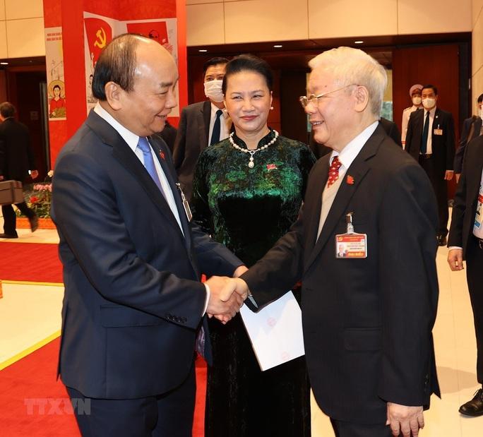 Chùm ảnh: Tổng Bí thư, Chủ tịch nước dự phiên thảo luận các văn kiện Đại hội XIII - Ảnh 1.