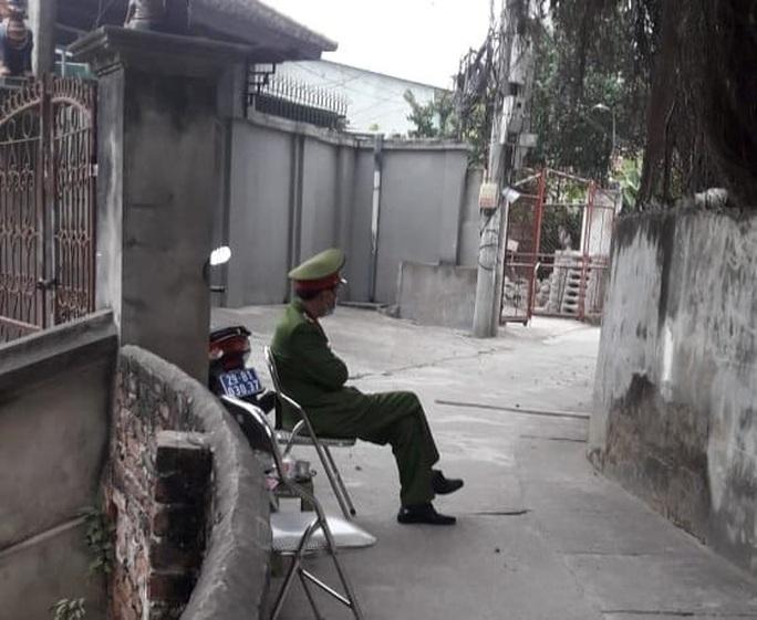 Khẩn cấp cách ly gia đình bác sĩ trở về từ Quảng Ninh - Ảnh 1.