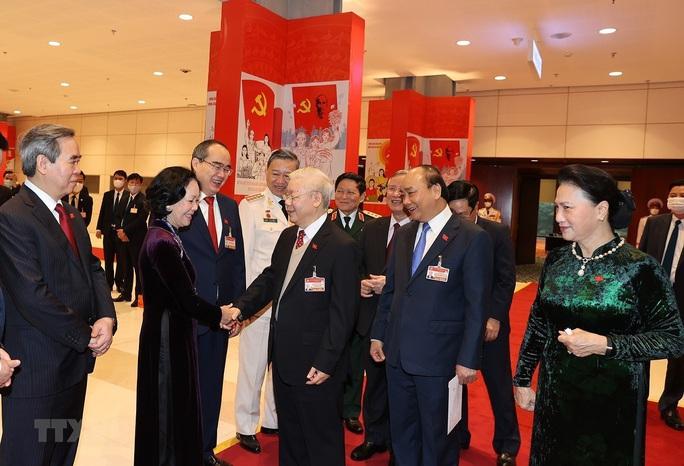 Chùm ảnh: Tổng Bí thư, Chủ tịch nước dự phiên thảo luận các văn kiện Đại hội XIII - Ảnh 6.