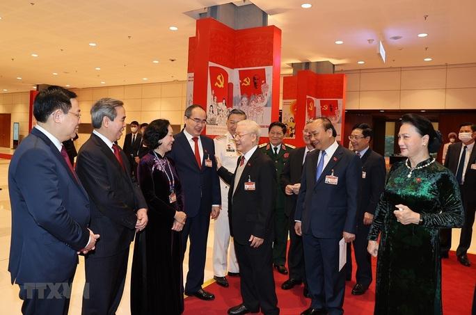 Chùm ảnh: Tổng Bí thư, Chủ tịch nước dự phiên thảo luận các văn kiện Đại hội XIII - Ảnh 8.