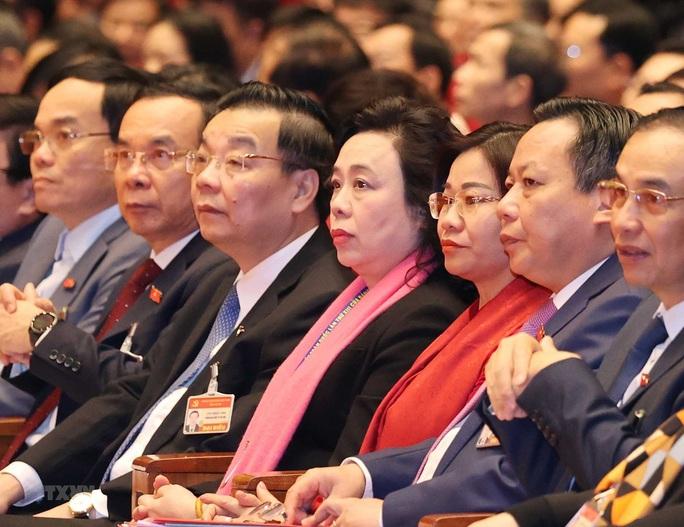 Ông Vương Đình Huệ điều hành phiên thảo luận Văn kiện Đại hội XIII - Ảnh 2.