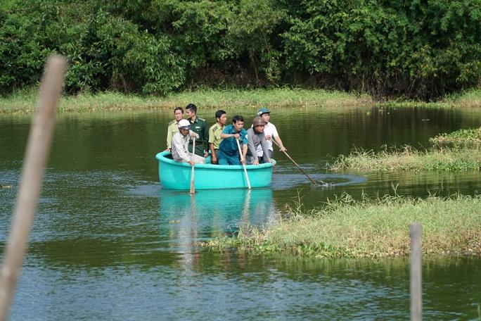 Vũng Tàu lên phương án vây bắt cá sấu đi lạc dưới hồ nước - Ảnh 4.