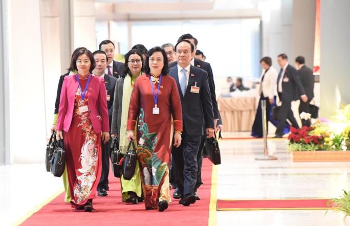 Các nữ đại biểu tham dự Đại hội XIII của Đảng - Ảnh 4.
