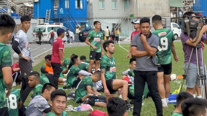 Hoãn trận Than Quảng Ninh - CLB TP HCM vì Covid-19 - Ảnh 1.