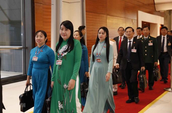 Các nữ đại biểu tham dự Đại hội XIII của Đảng - Ảnh 13.