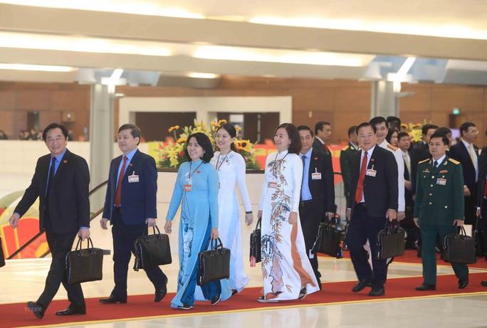 Các nữ đại biểu tham dự Đại hội XIII của Đảng - Ảnh 15.