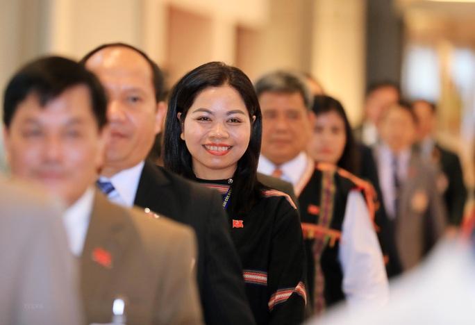 Các nữ đại biểu tham dự Đại hội XIII của Đảng - Ảnh 18.