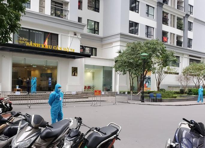 Ca Covid-19 mới ở Hà Nội sống ở chung cư cao cấp, đi sắm tết tại trung tâm thương mại - Ảnh 3.