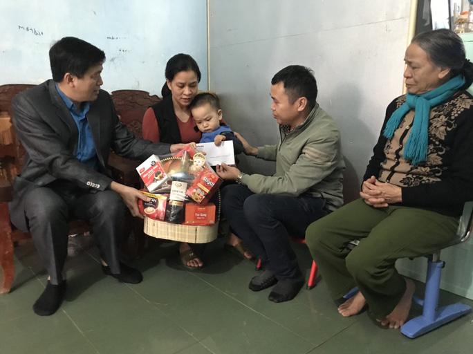 Chương trình Xuân nhân ái - Tết yêu thương đến với các tỉnh miền Trung - Ảnh 1.