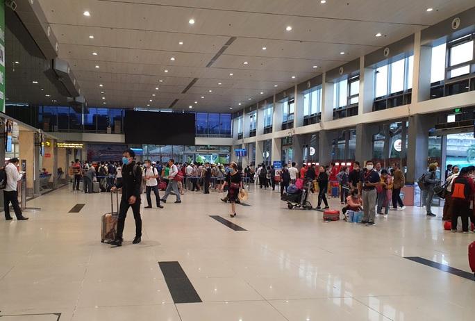 Sân bay Tân Sơn Nhất lên phương án chống nghẽn dịp Tết - Ảnh 1.