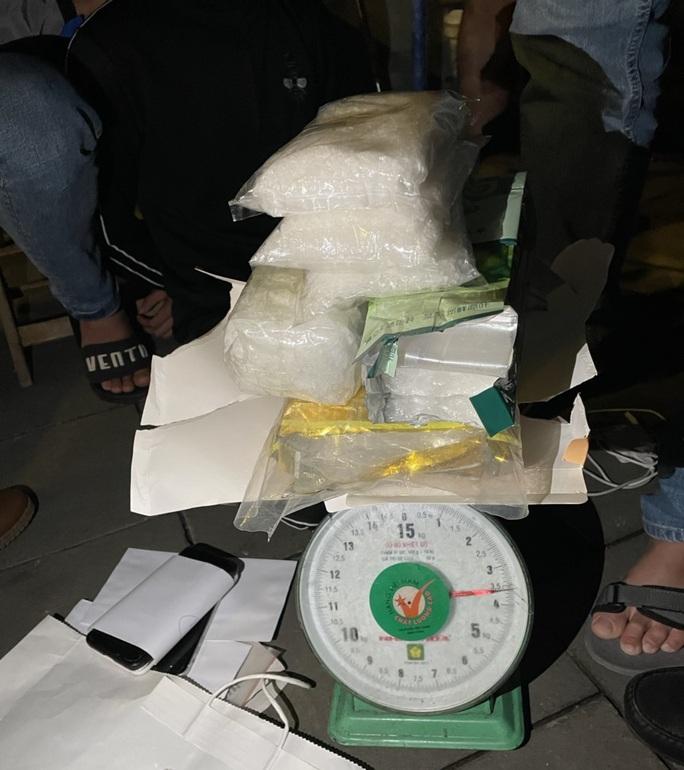 Từ Thanh Hóa mang 3,5 kg ma túy đá vào Đà Nẵng bán Tết - Ảnh 1.