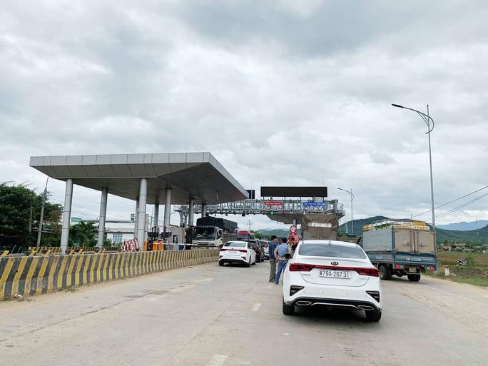 Nhân viên Trạm BOT Ninh Xuân bị đâm phải nhập viện - Ảnh 1.