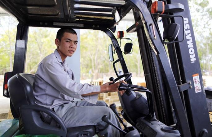 TP HCM cần khoảng 300.000 chỗ làm việc - Ảnh 1.