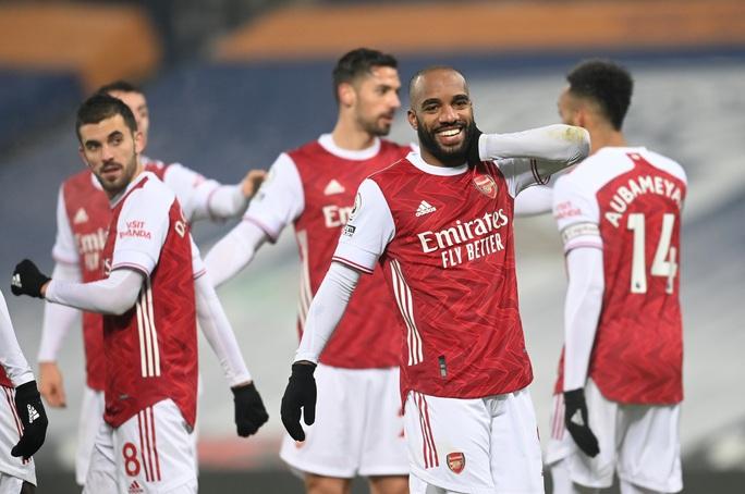 Vùi dập chủ nhà West Brom, Arsenal trở lại giữa mùa tuyết trắng - Ảnh 7.