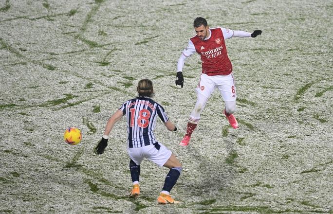 Vùi dập chủ nhà West Brom, Arsenal trở lại giữa mùa tuyết trắng - Ảnh 4.