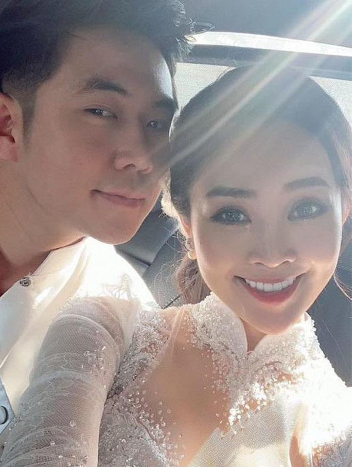 MC nổi tiếng của VTV Thuỳ Linh hạnh phúc rạng ngời bên chồng sắp cưới kém 5 tuổi - Ảnh 2.