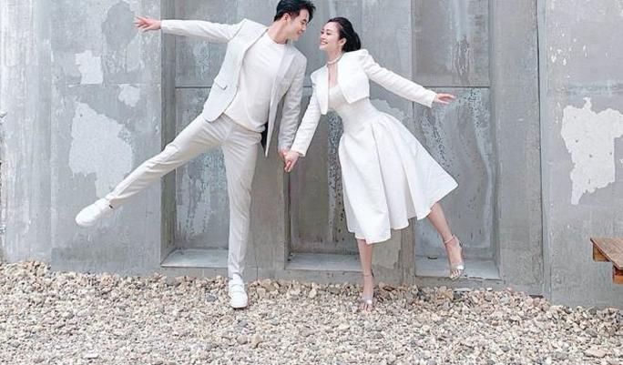 MC nổi tiếng của VTV Thuỳ Linh hạnh phúc rạng ngời bên chồng sắp cưới kém 5 tuổi - Ảnh 3.