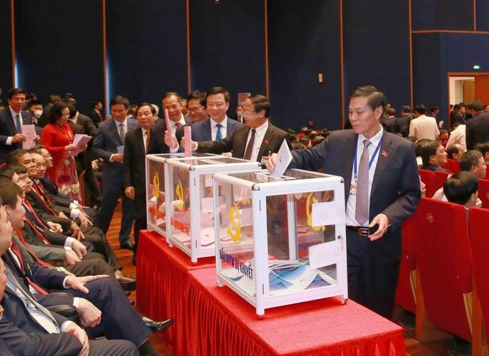 Chùm ảnh: Bỏ phiếu bầu Ban Chấp hành Trung ương khóa XIII - Ảnh 7.