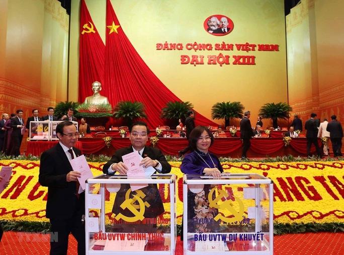 Chùm ảnh: Bỏ phiếu bầu Ban Chấp hành Trung ương khóa XIII - Ảnh 5.
