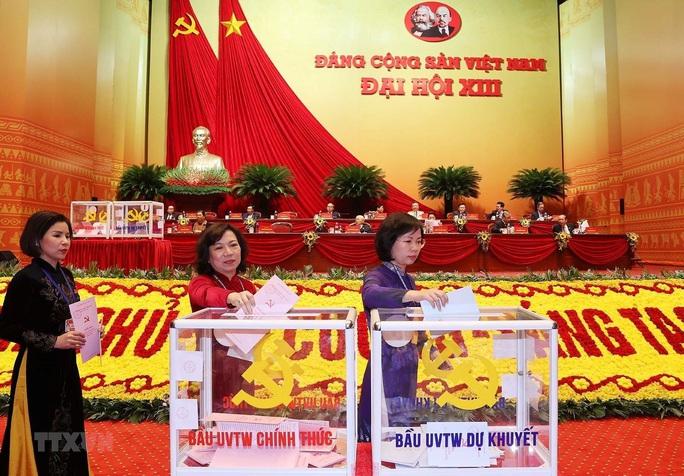 Chùm ảnh: Bỏ phiếu bầu Ban Chấp hành Trung ương khóa XIII - Ảnh 10.