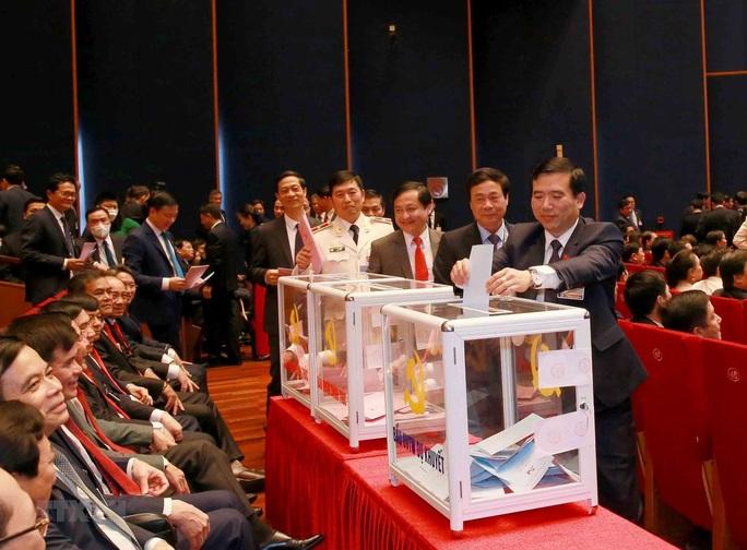 Chùm ảnh: Bỏ phiếu bầu Ban Chấp hành Trung ương khóa XIII - Ảnh 12.