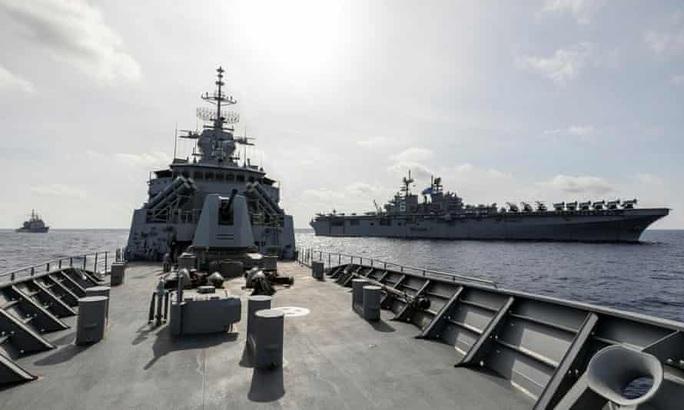 Trung Quốc tập trận mô phỏng tấn công tàu sân bay Mỹ? - Ảnh 2.