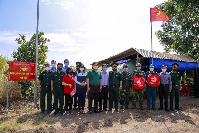 Lãnh đạo lực lượng biên phòng TP HCM nói về nhiệm vụ phòng, chống dịch Covid-19 ở biên giới - Ảnh 1.