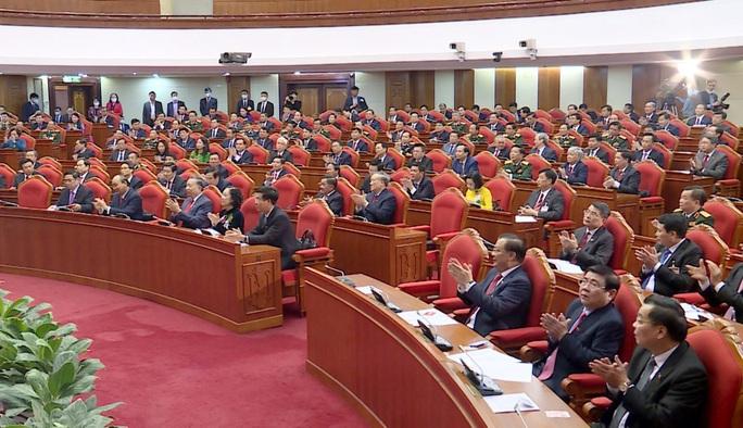 Chùm ảnh: Trung ương khóa XIII họp bầu Bộ Chính trị, Tổng Bí thư - Ảnh 5.