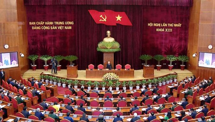 Chùm ảnh: Trung ương khóa XIII họp bầu Bộ Chính trị, Tổng Bí thư - Ảnh 1.
